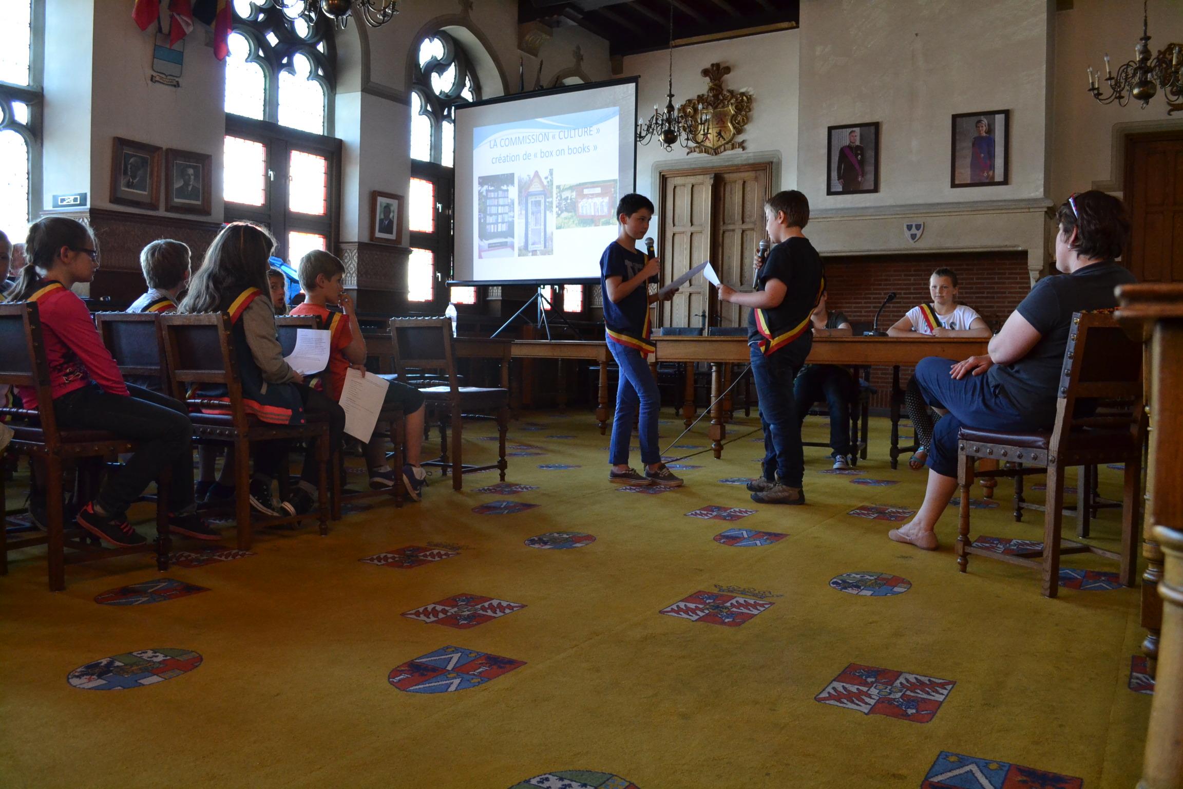 Conseil communal enfants (9).JPG